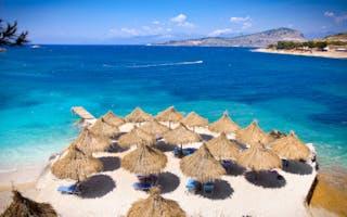 Her får du sommerens rimeligste strandferie med familien