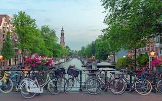 På sykkel i Amsterdam