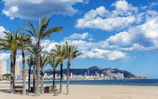 Benidorm reiseguide - tips til underholdende ferieby