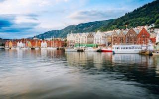 Bryggen i Bergen fra sjøsiden