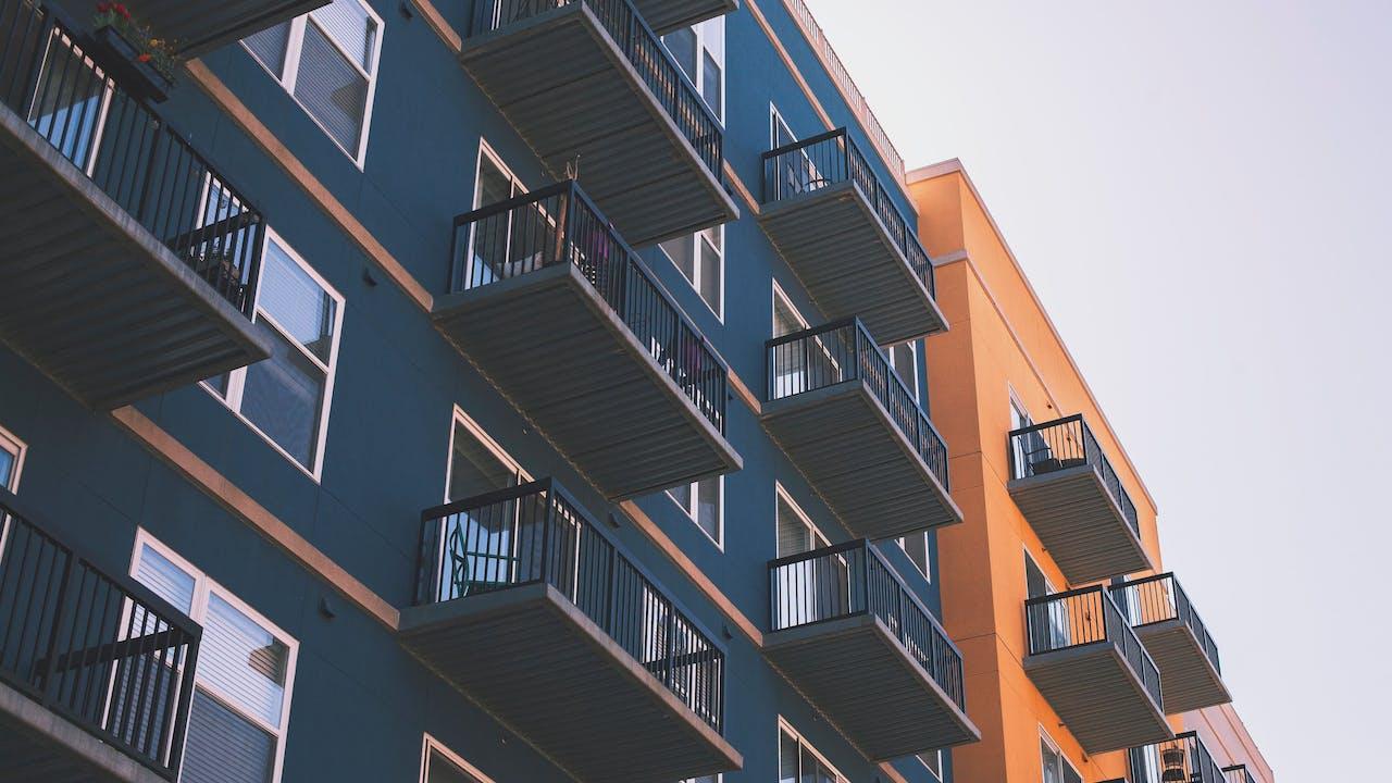 Leiligheter med balkonger