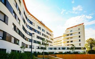 Moderne buet nybygg med leiligheter web