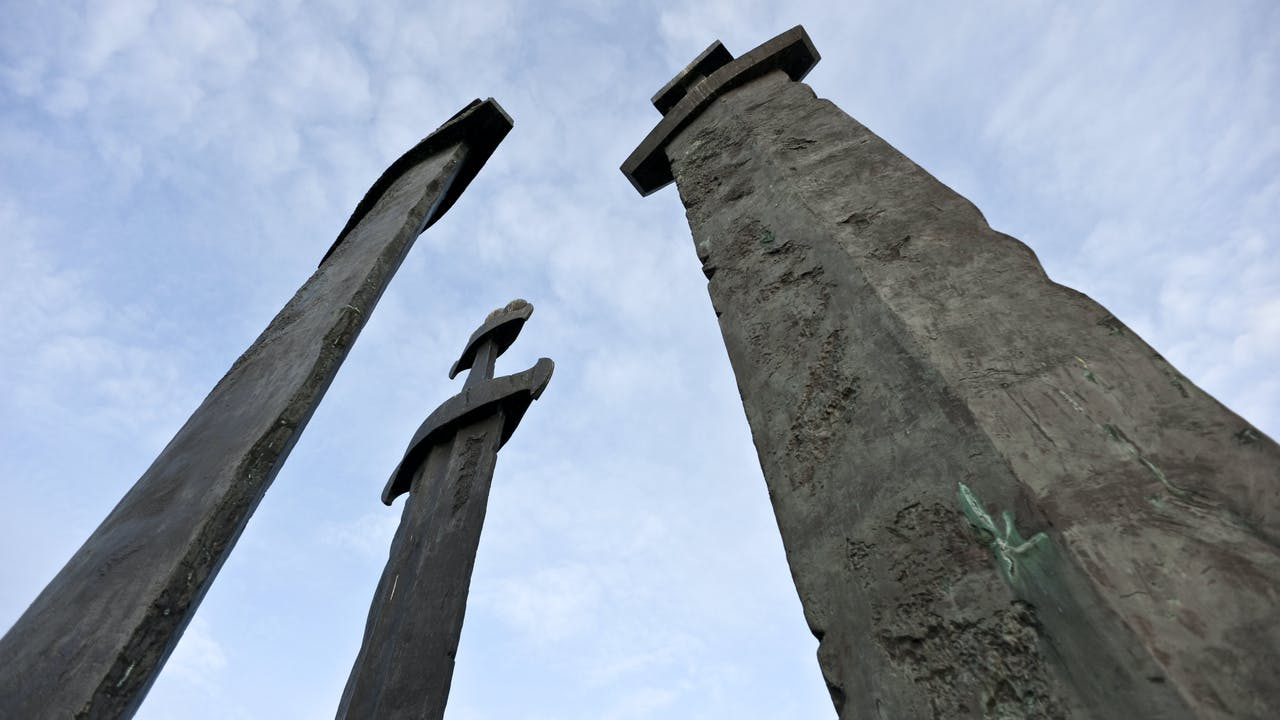 Historiske Rogaland, tre sverd i Hafrsfjord