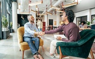 Hvilke spørsmål bør man stille under jobbintervju?
