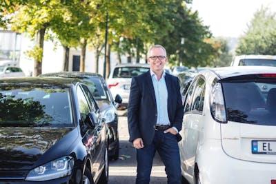ANBEFALER TILSTANDSRAPPORT: -. En tilstandsrapport gir en større trygghet om at det du kjøper er i beskrevet tilstand, sier produktdirektør i FINN Motor, Eirik M. Håstein. (Foto: Caroline Roka/FINN)