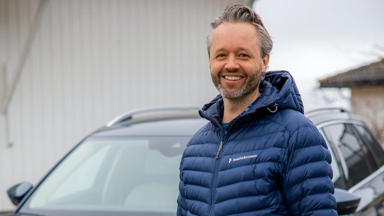 – Å selge bil digitalt gikk helt knirkefritt. Jeg satt på en oljerigg i Nordsjøen og ordnet alt på få minutter, kun med noen enkle tastetrykk, forteller Jarle André Hopland