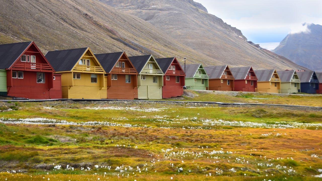 Opplev polarsommeren på Svalbard