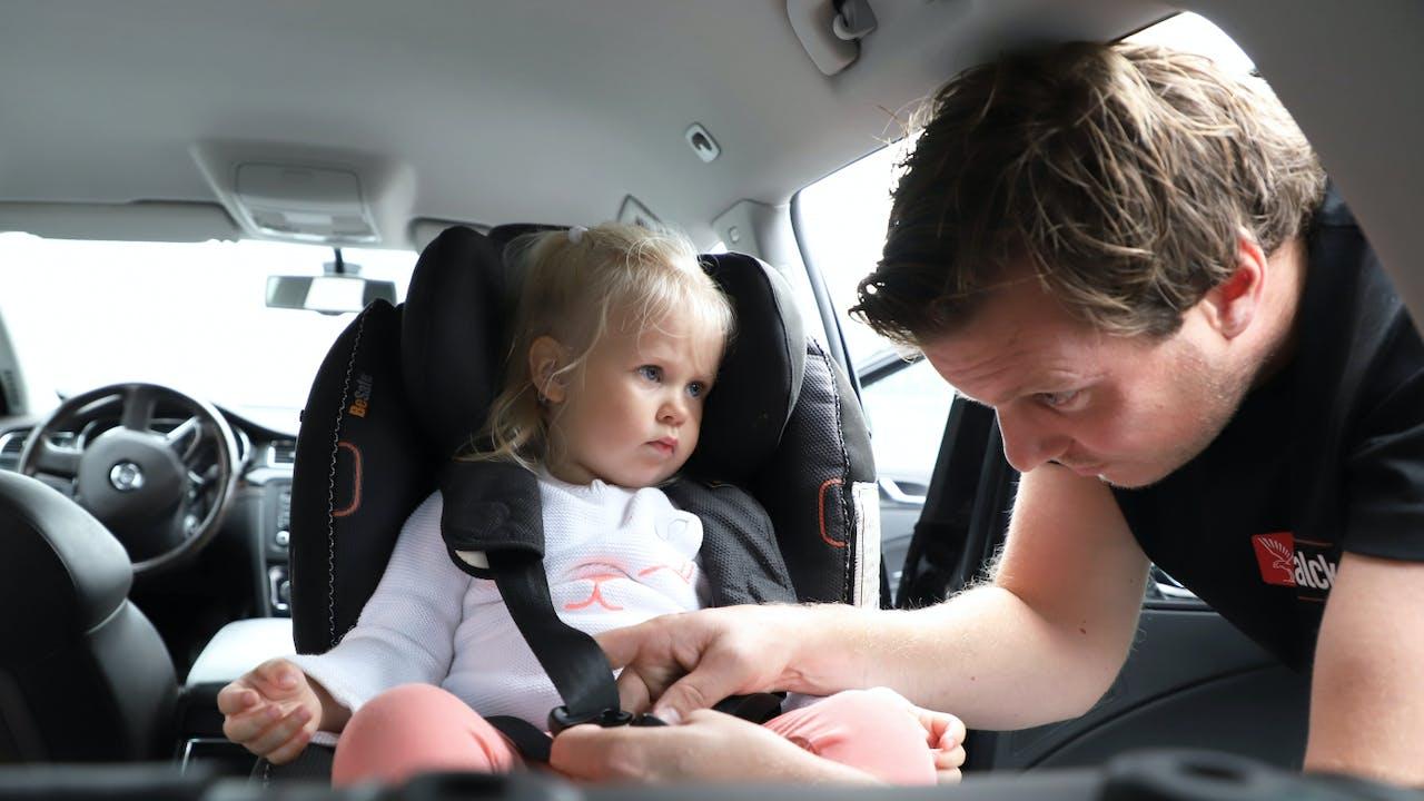 3 viktige tips som sikrer barnet ditt på veien