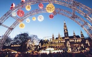 Opplev de fantastiske julemarkedene i Wien